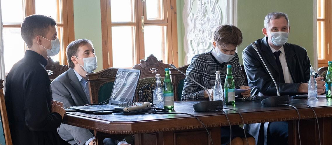 А. И. Солопов, Е. В. Антонец